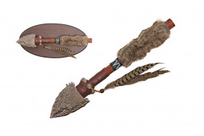 """17 5/8"""" Spear w/ Display Stand"""