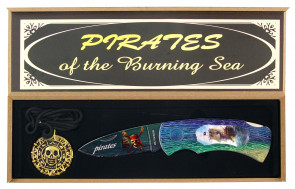 7 PIRATE KNIFE W/MEDALLION  IN WOODBOX""